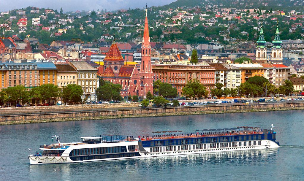 SONATA - Danube River Bridge Cruise